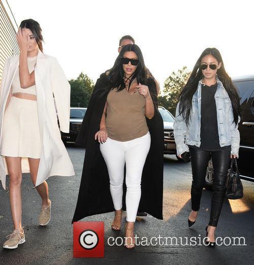 Kendall Jenner and Kim Kardashian 1