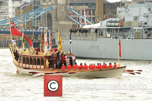 River Thames Flotilla and Atmosphere 3