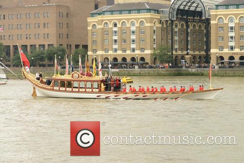 River Thames Flotilla and Atmosphere 6