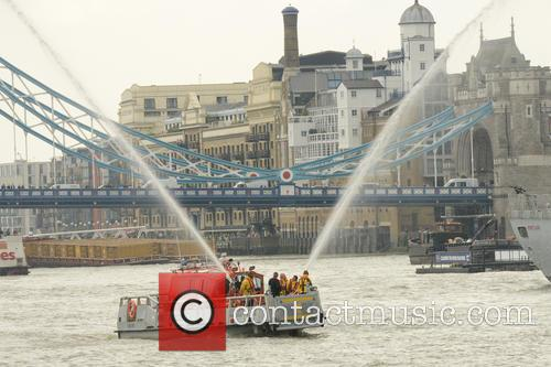 River Thames Flotilla and Atmosphere 7