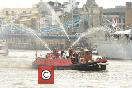River Thames Flotilla and Atmosphere 8