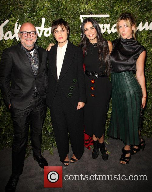 Eric Buterbaugh, Demi Moore, Tallulah Willis and Scout Willis 3
