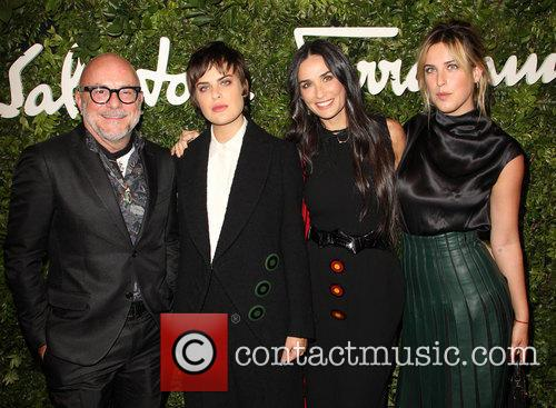Eric Buterbaugh, Demi Moore, Tallulah Willis and Scout Willis 4