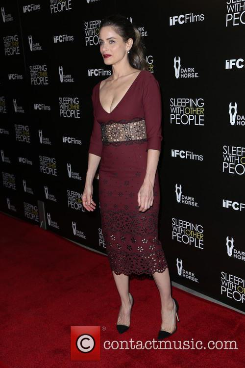 Amanda Peet 2