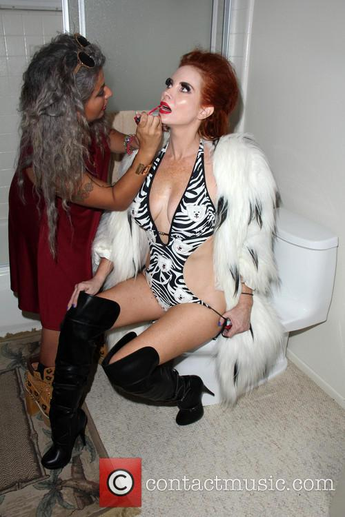 Phoebe Price and Chanel Capra 6