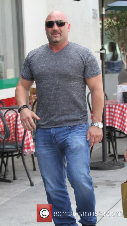 Jay Glazer goes shopping with a friend