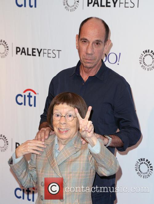 Linda Hunt and Miguel Ferrer 8