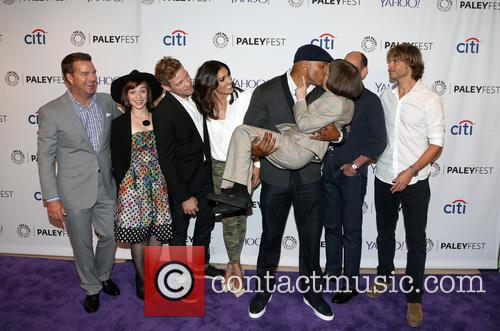 Chris O'donnell, Renée Felice Smith, Barrett Foa, Ll Cool J, Miguel Ferrer, Shane Brennan, Daniela Ruah, Eric Christian Olsen and Linda Hunt 10