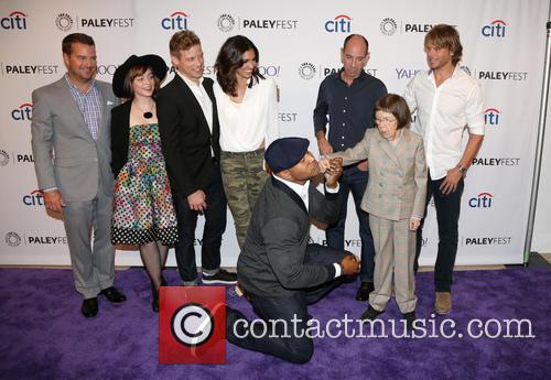 Chris O'donnell, Renée Felice Smith, Barrett Foa, Ll Cool J, Miguel Ferrer, Shane Brennan, Daniela Ruah, Eric Christian Olsen and Linda Hunt 11