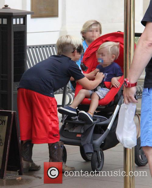 Gwen Stefani, Kingston Rossdale, Zuma Nesta Rock Rossdale and Apollo Bowie Flynn Rossdale 3