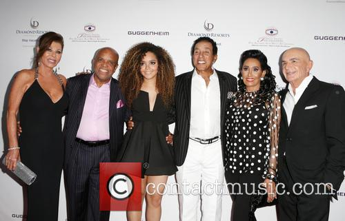Linell Shapiro, Berry Gordy, Mahogany Cheyenne Gordy, Smokey Robinson, Frances Glandney and Robert Shapiro 2