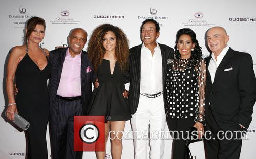 Linell Shapiro, Berry Gordy, Mahogany Cheyenne Gordy, Smokey Robinson, Frances Glandney and Robert Shapiro 1