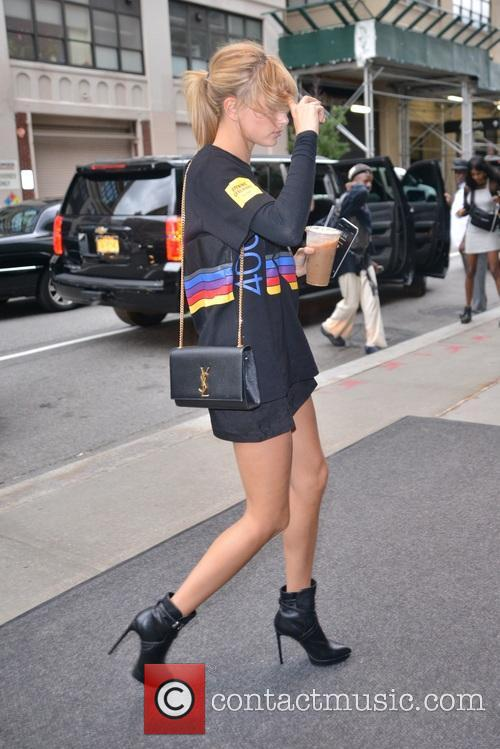 Hailey Baldwin 4