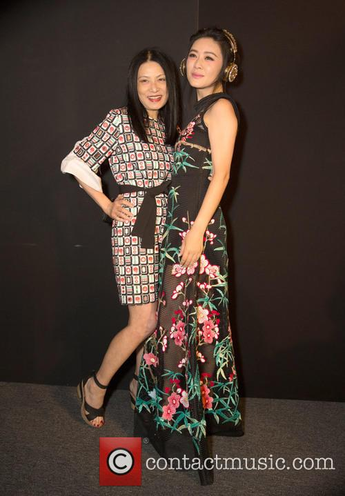 Vivienne Tam and Tian Hai Rong 2