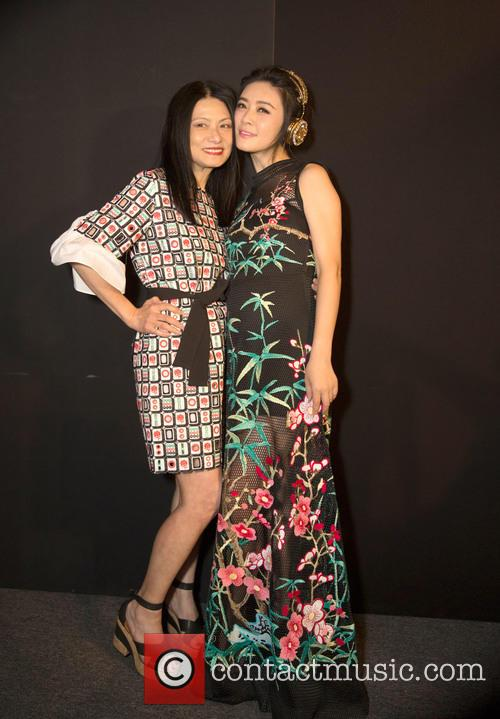Vivienne Tam and Tian Hai Rong 4
