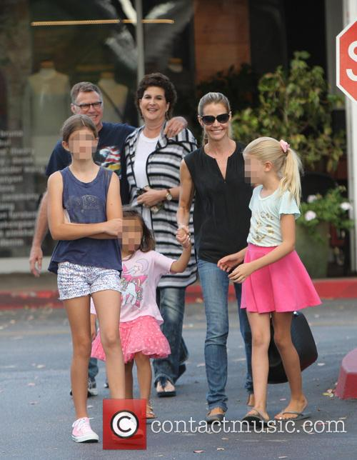 Denise Richards, Sam Sheen, Lola Rose Sheen and Eloise Joni Richards 1