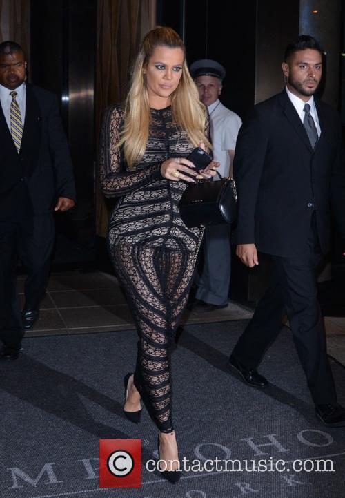Kourtney Kardashian and Khloe Kardashian 6
