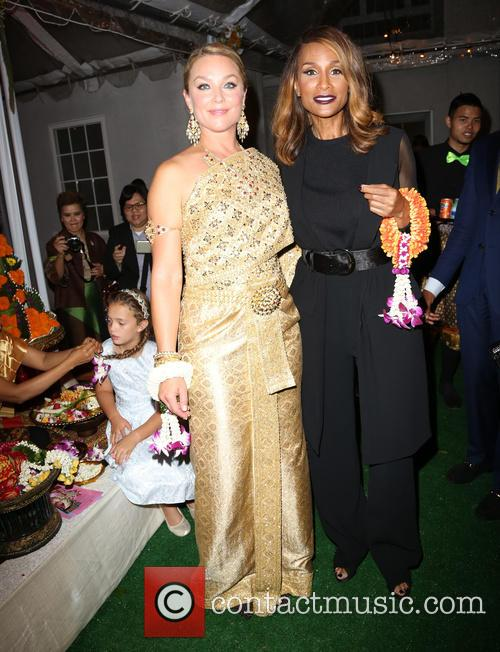 Elisabeth Röhm and Beverly Johnson 2