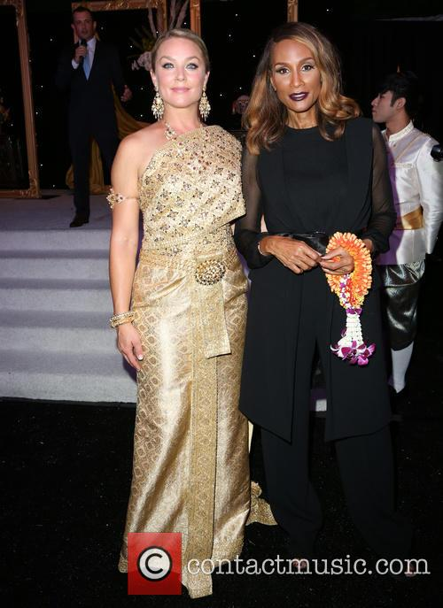 Elisabeth Röhm and Beverly Johnson 4