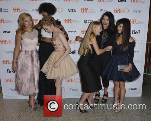 Francesca Eastwood, Judith Shekoni, Gatlin Green, Danika Yarosh, Eve Harlow and Kiki Sukezane 1