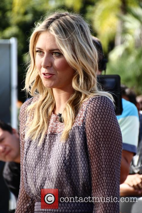 Maria Sharapova visits the set of Extra!