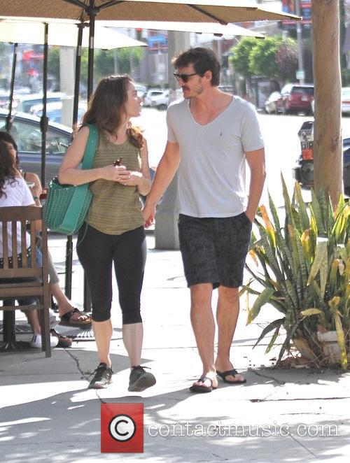 Pedro Pascal and Robin Tunney 8