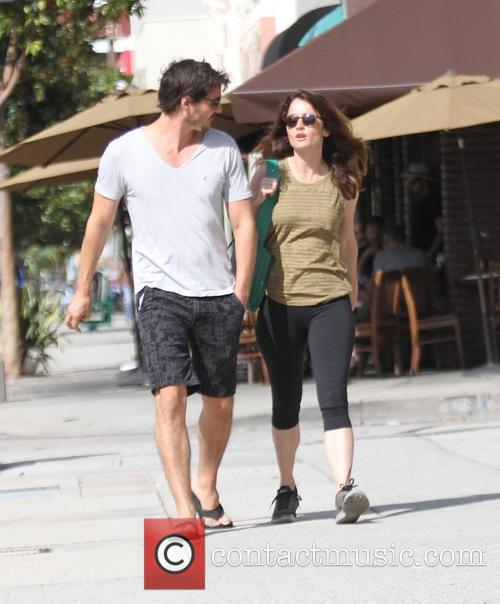 Pedro Pascal and Robin Tunney 1