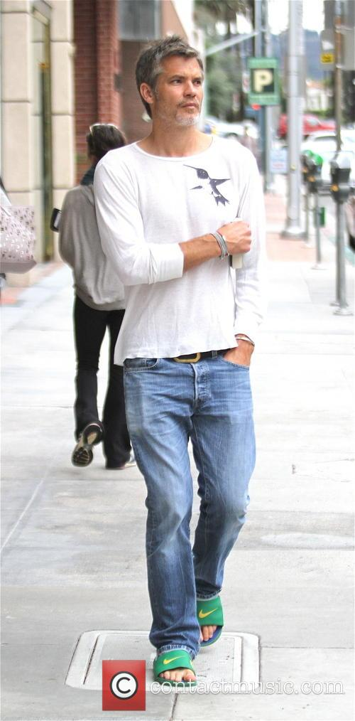 Grey haired Timothy Olyphant goes shopping in Beverly...