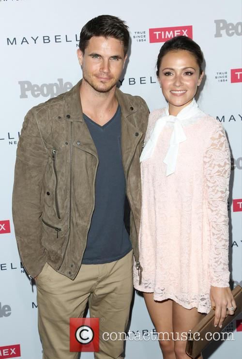 Robbie Amell and Italia Ricci 4