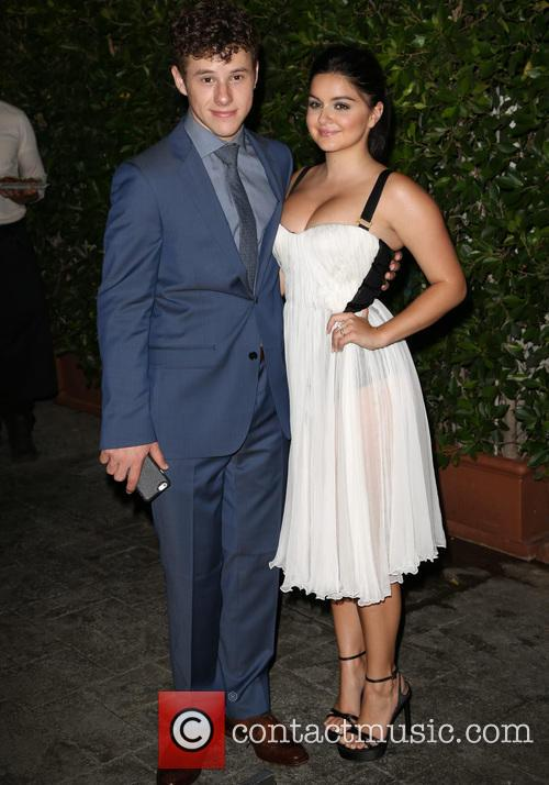 Nolan Gould and Ariel Winter 4