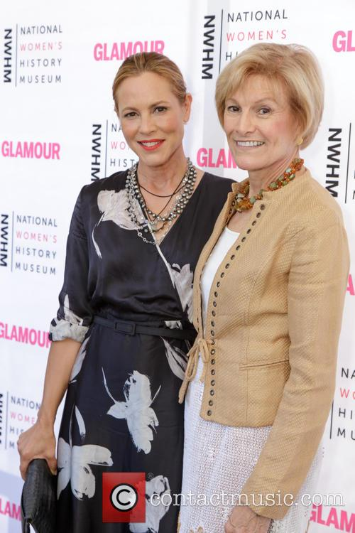 Maria Bello and Joan Wages 1
