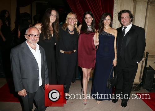 Richard Howland, Nicole Sullivan, Emmanuelle Vaugier, Anna Silk and Seth Cooperman 1