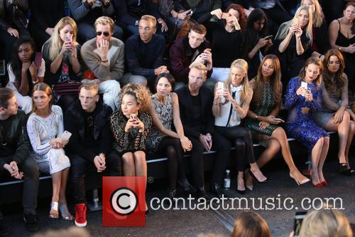 Millie Mackintosh, Ronan Keating, Storm Uechtritz, Rochelle Humes, Rosie Fortescue and Andrea Corr 1