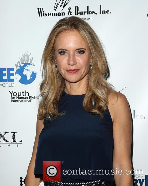 Kelly Preston 8
