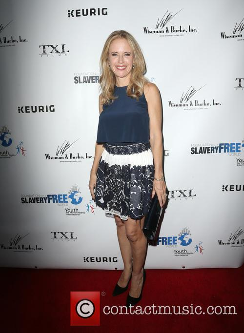 Kelly Preston 10