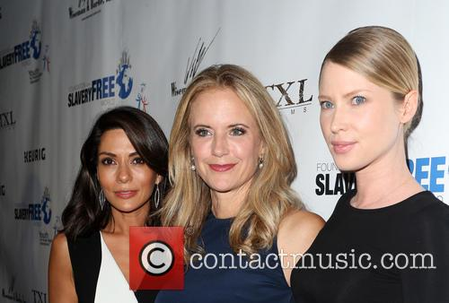 Marisol Nichols, Kelly Preston and Emma Booth 8