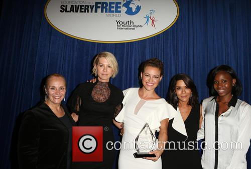 Mary Shuttleworth, Jenna Elfman, Kim Biddle, Marisol Nichols and Guest 3