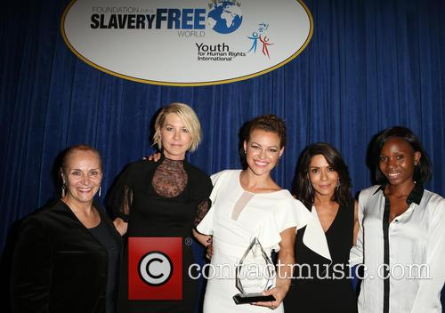 Mary Shuttleworth, Jenna Elfman, Kim Biddle, Marisol Nichols and Guest 4