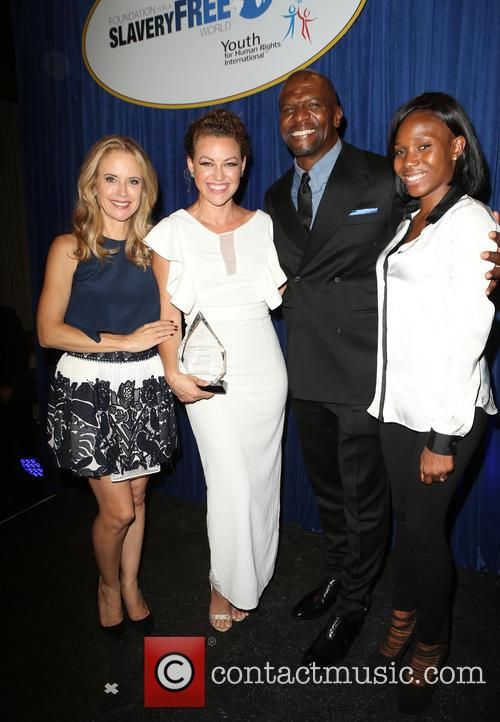 Kelly Preston, Kim Biddle, Terry Crews and Guest 4
