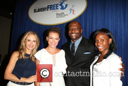 Kelly Preston, Kim Biddle, Terry Crews and Guest 5