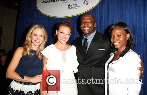 Kelly Preston, Kim Biddle, Terry Crews and Guest 1