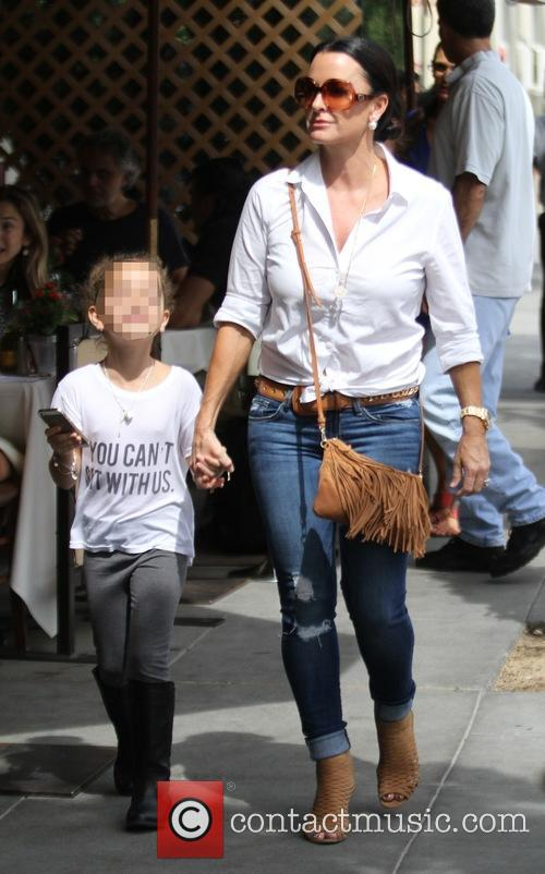 Kyle Richards takes her daughter, Portia, to lunch