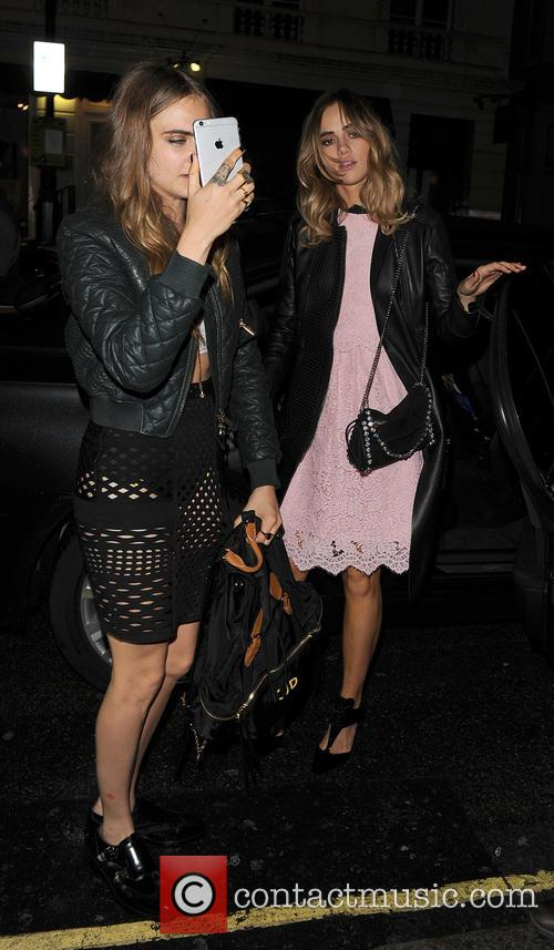 Cara Delevingne and Suki Waterhouse 1