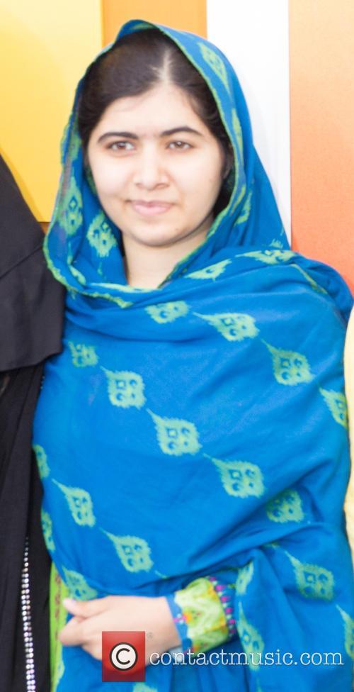 Malala Yousafzai  ( In Blue ) 4