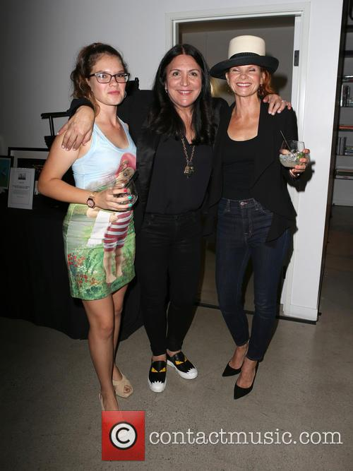 Valentina Shelton, Kathy Kloves and Lolita Davidovich 2