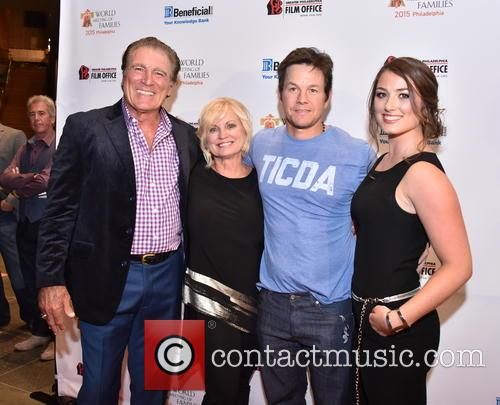 Vince Papale, Janet Papale, Mark Wahlberg and Gabriella Papale 2