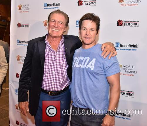 Vince Papale and Mark Wahlberg 1