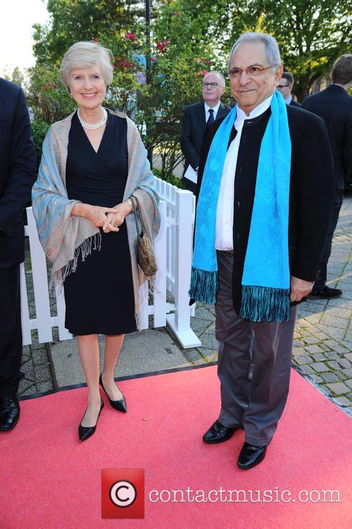 Friede Springer and Jose Ramos Horta 1