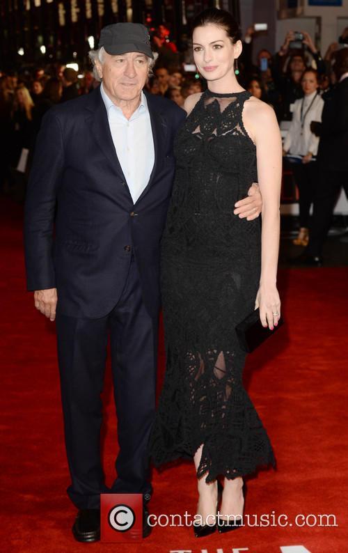 Robert Deniro and Anne Hathaway 3