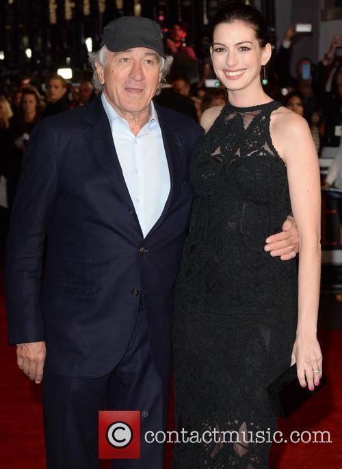 Robert Deniro and Anne Hathaway 4